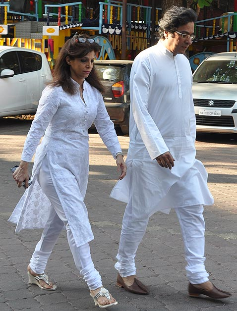 Talat Aziz with wife Bina