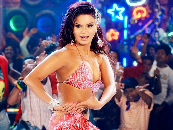 Rakhi Sawant in Krazzy 4