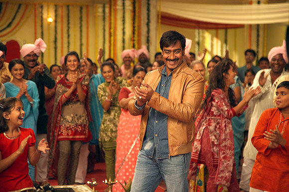 Ajay Devgn on the sets of Himmatwala
