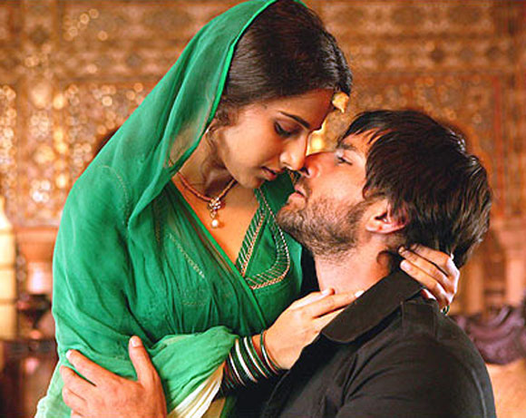 Vidya Balan and Saif Ali Khan in Eklavya: The Royal Guard