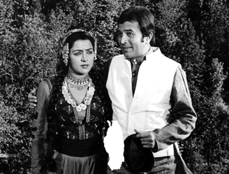 Rajesh Khanna with Hema Malini in Kudrat