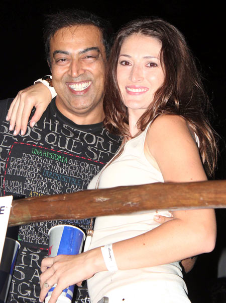 Vindu Dara Singh with wife Dina Umarova