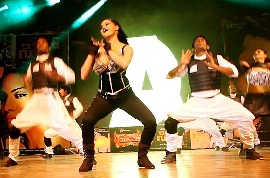 Veena Malik's live performance in Bangalore