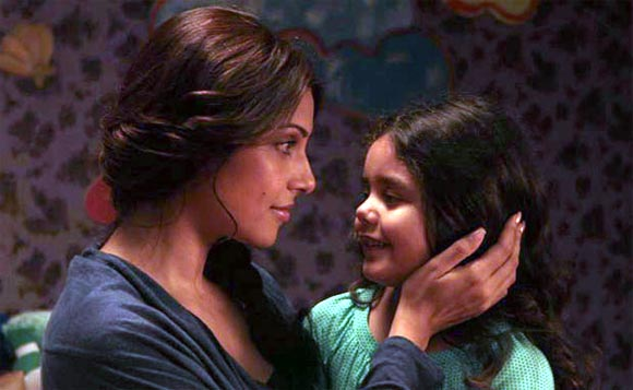Bipasha Basu and Doyel Dhawan in Aatma