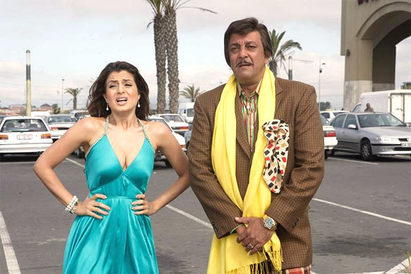 Ameesha Patel and Sanjay Dutt in Chatur Singh Two Star