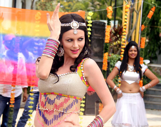 Yana Gupta on the sets of Dussehra