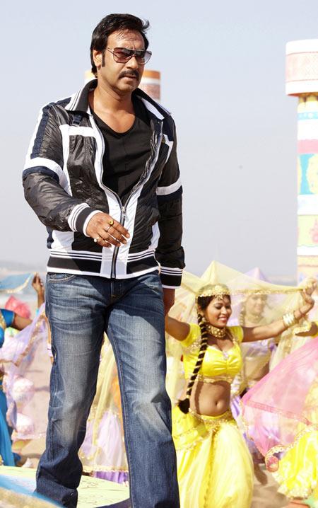 Ajay Devgn in Himmatwala