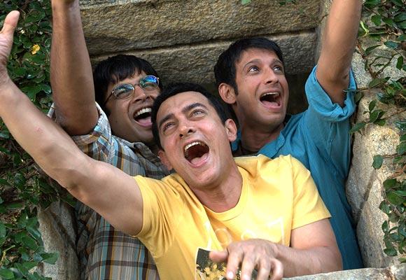 Sharman Joshi, Aamir Khan and R Madhavan in 3 Idiots