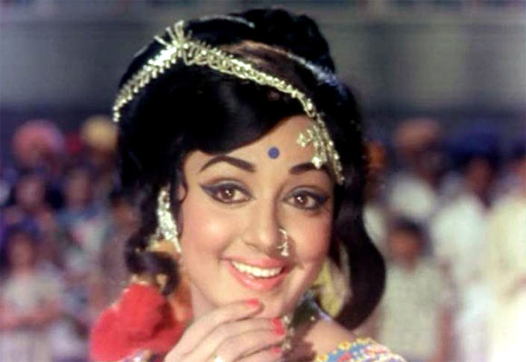 Hema Malini in Raja Jani