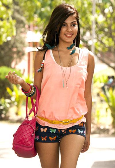 Rhea Chakraborty in Mere Dad Ki Maruti