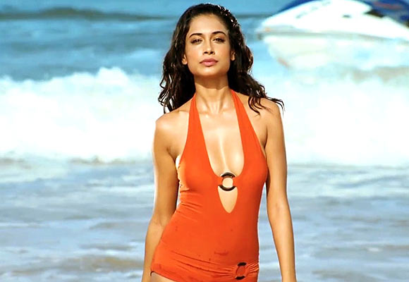 Sarah Jane Dias in Kya Super Kool Hain Hum
