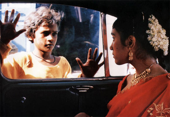 Shafiq Syed and Hansa Vithal in a scene from Salaam Bombay