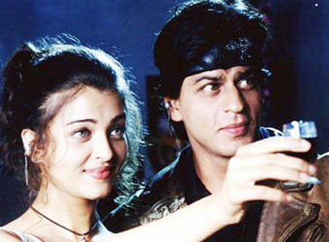 Aishwarya Rai Bachchan and Shah Rukh Khan in Josh
