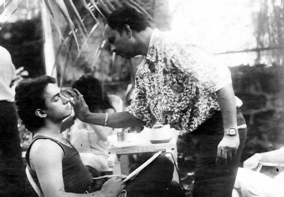 Shashikant Mhatre with Aamir Khan during the shooting of Dil