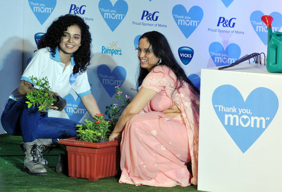 Kangana and Asha Ranaut