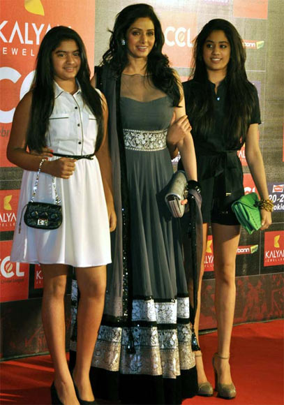 Sridevi with Jahnvi and Khushi