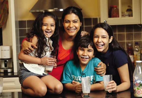 Kajol with Aanchal Munjal, Nominath Ginsburg and Diya Sonecha in We Are Family