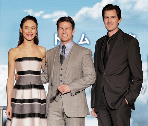 Olga Kurylenko, Tom Cruise and director Joseph Kozinski attend the Oblivion Japan premiere