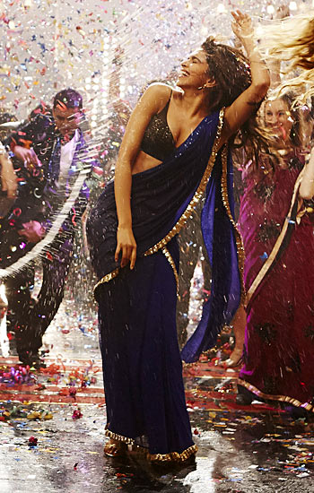 Deepika Padukone in Yeh Jaw