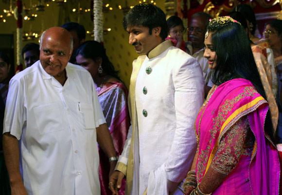 Ramoji Rao with Gopischand and Reshma