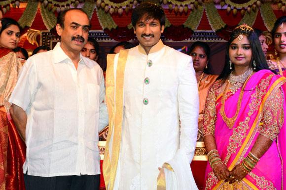 Suresh Babu with Gopichand and Reshma