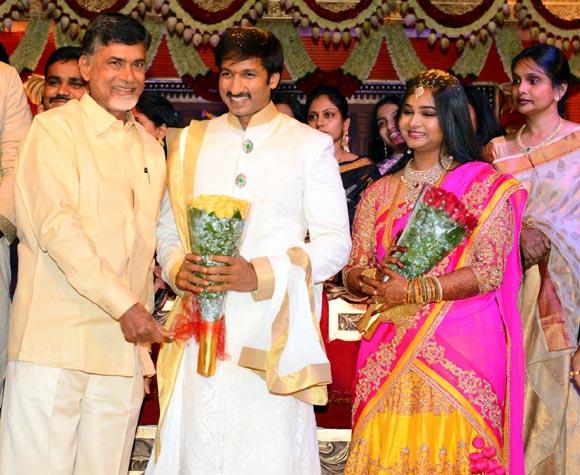 N Chandrababu Naidu with Gopichand and Reshma