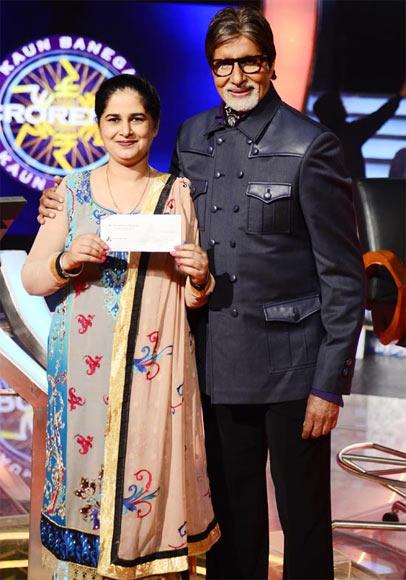 Amitabh Bachchan with KBC 6 jackpot winner Sunmeet Kaur Sawhney