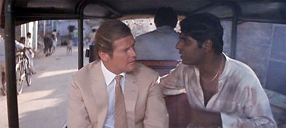 Vijay Amritraj (right) in Octopussy