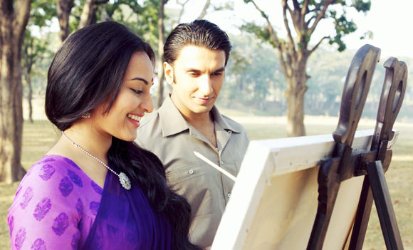Sonakshi Sinha and Ranveer Singh in Lootera, which had a lilting background score composed by Amit Trivedi.
