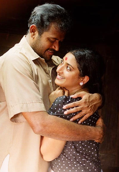 Manoj K Jayan and Praveena in Oru Pennum Randanum