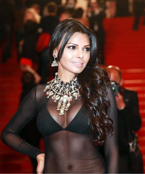 Current Bollywood News & Movies - Indian Movie Reviews, Hindi Music & Gossip - PIX: Sherlyn Chopra's HOT Cannes avatar