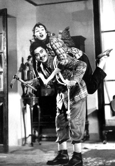 Kishore Kumar with Madhubala in Chalti Ka Naam Gaadi