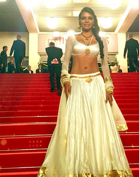 Current Bollywood News & Movies - Indian Movie Reviews, Hindi Music & Gossip - PIX: Sherlyn Chopra SIZZLES in Cannes!