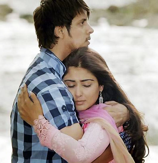 Ayaz Ahmed and Nikita Sharma in Do Dil Ek Jaan