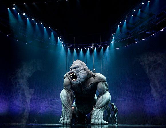 King Kong performs