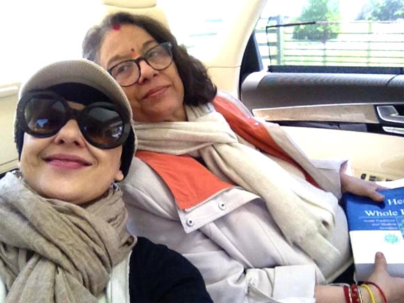 Manisha Koirala with mother