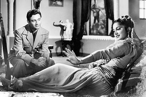 Dev Anand and Waheeda Rehman in CID