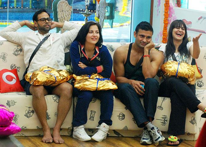 VJ Andy, Elli Avram, Sangram Singh, Candy Brar