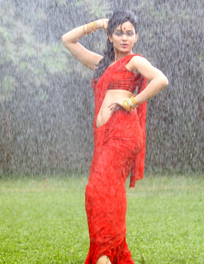 Kangna Ranaut in Once Upon A Time in Mumbaai