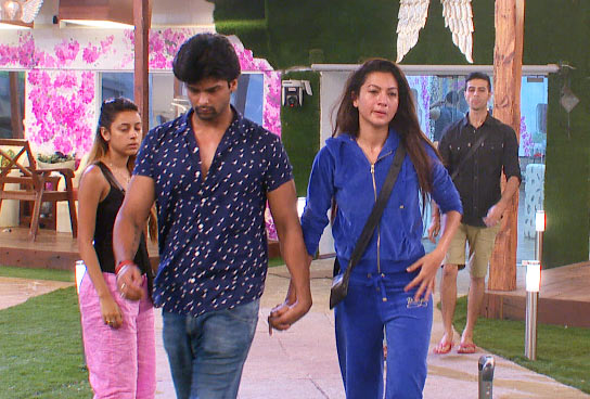 Kushal Tandon and Gauhar Khan walk out of Bigg Boss house