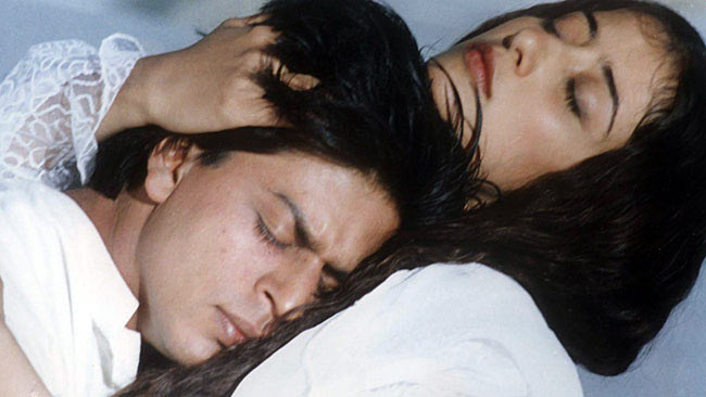 Shah Rukh Khan and Manisha Koirala in Dil Se..