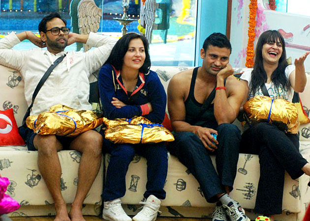 VJ Andy, Eli Avram, Sangram Singh and Candy Brar in Bigg Boss 7