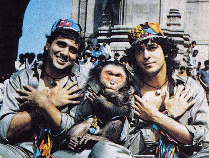 Govinda and Chunky Pandey in Aankhen