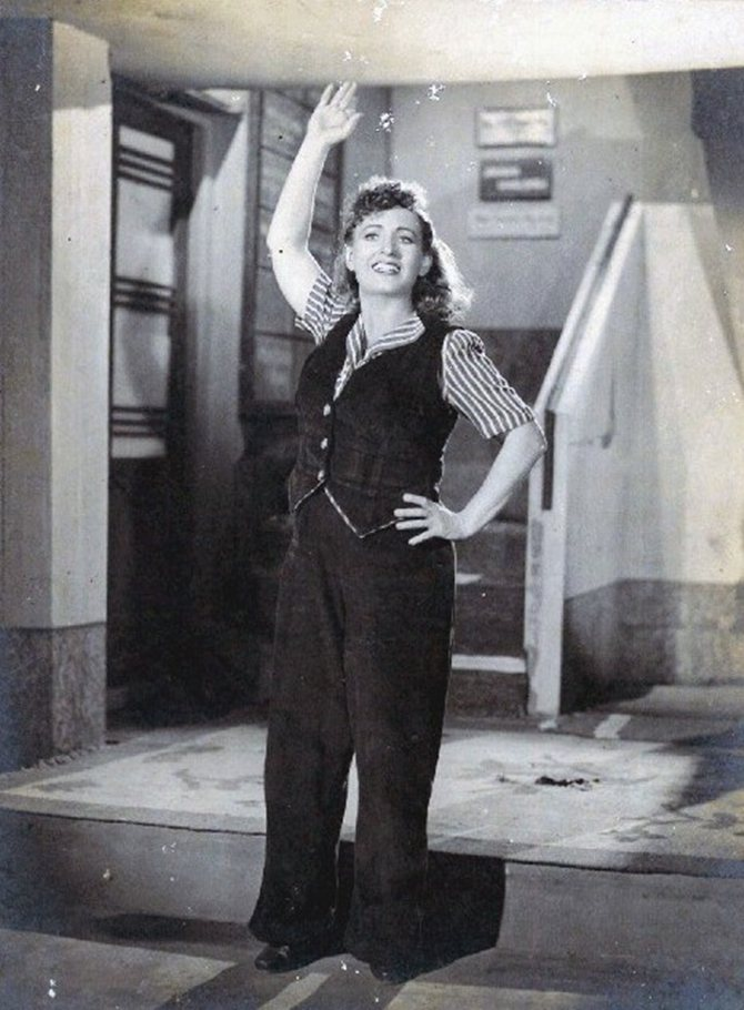 Fearless Nadia in 11 ' Clock