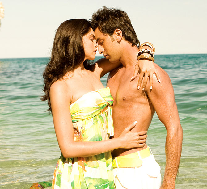 Deepika Padukone and Ranbir Kapoor in Bachna Ae Haseeno