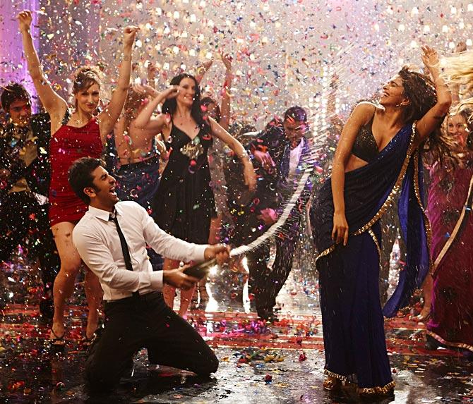 Ranbir Kapoor and Deepika Padukone in Yeh Jawaani Hai Deewani