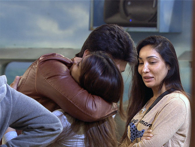 Kushal Tandon, Tanishaa and Sofia Hayat