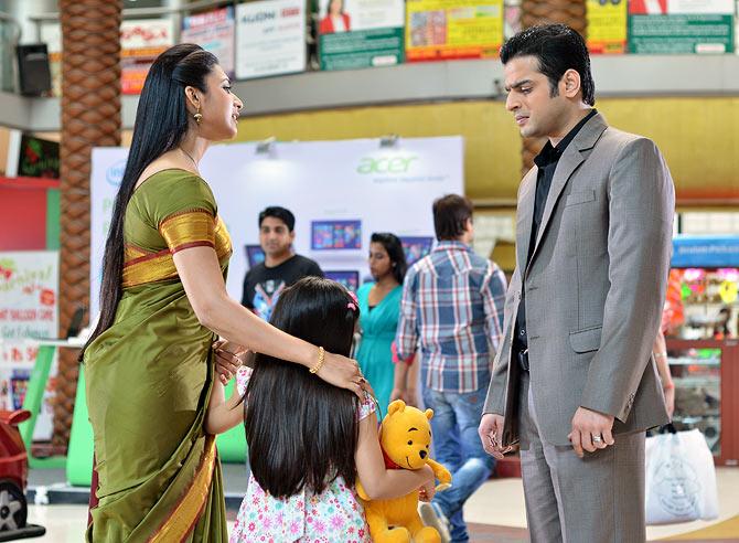 Divyanka Tripathi with Karan Patel and Ruhanika Dhawan