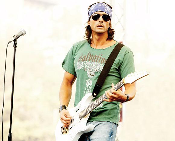 Arjun Rampal in Rock On!!