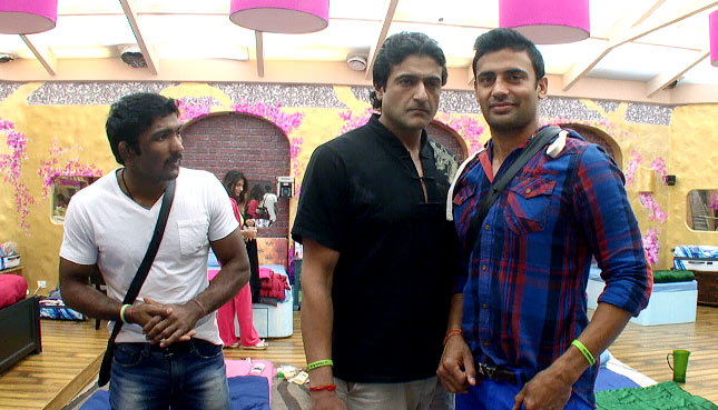 Yogeshwar Dutt with Armaan and Sangram